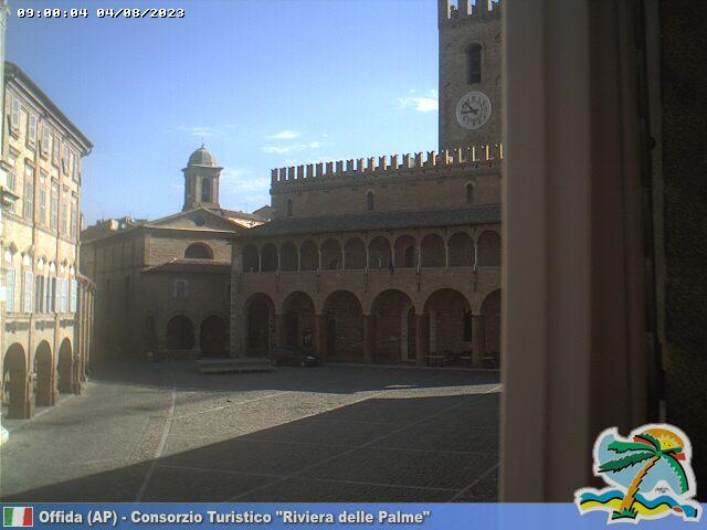 Offida Piazza del Popolo ore 09
