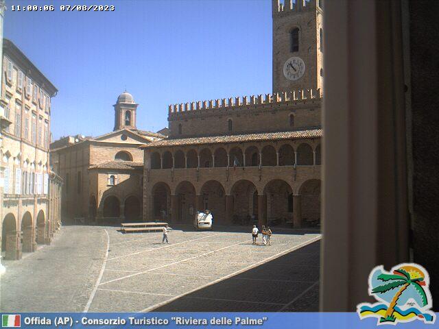 Offida Piazza del Popolo ore 11