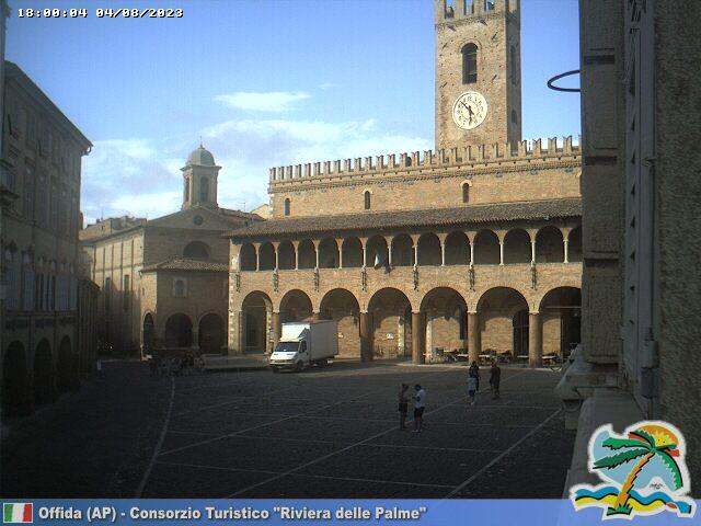 Offida Piazza del Popolo ore 18